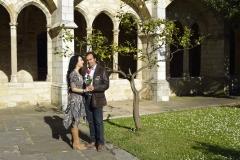 Tomando el sol en el claustro de la Catedral de Santander tras actuación 1