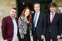 Con el músico y presentador Emilio Aragón, tras estrenar una obra de su hermana Rita Irasema acompañada por el tenor Alberto Núñez y el organista Antonio Sánchez