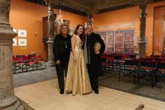 Mis amigos Carmen y Alfonso tras concierto en el Patio de la Infanta