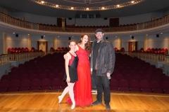 Con el profesor de viola Miguel Zarazaga y la bailarina Paula Murilo tras el concierto con Camerata Contrapunto en e Teatro Monumental Bellas Artes de Tarazon