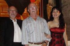 Con el alcalde de Eriste, Ricardo Pedrol, tras el concierto ofrecido por Cuello y Tapia en el Ciclo Músicas en la Cima del Valle de Benasque