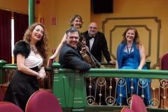 Teatro Liceo de Santoña con el ensemble Más que Voces 1