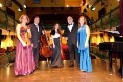 Teatro Liceo de Santoña con el ensemble Más que Voces