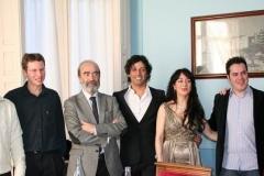 Con el alcalde de Huesca y demás autoridades que asistieron al concierto ofrecido en el Casino Oscense