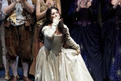 Pamina soprano Estrella Cuello