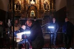 Paco-Moya-del-sello-IBS-Classical-en-la-grabación-con-Francisco-López-tiorba-y-Coro-Ars-Poliphonica