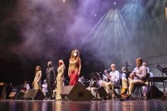Estrella Cuello actuando en Palacio de Festivales con Nando Agüeros