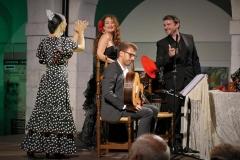 Foto escenificando las canciones de Lorca